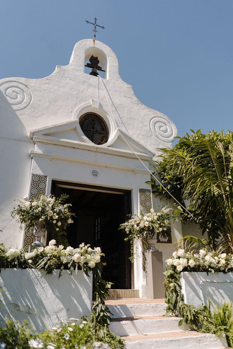 Flower decoration La Virginia chapel Marbella