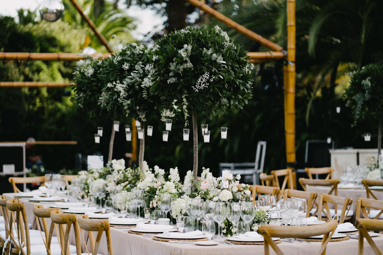 Tall arrangement long table wedding Finca La Concepcion