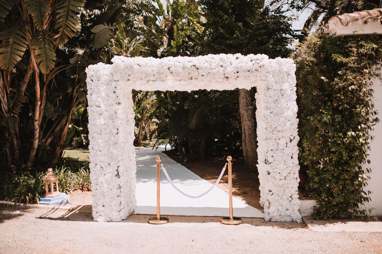 White arch flowers wedding Finca La Concepcion