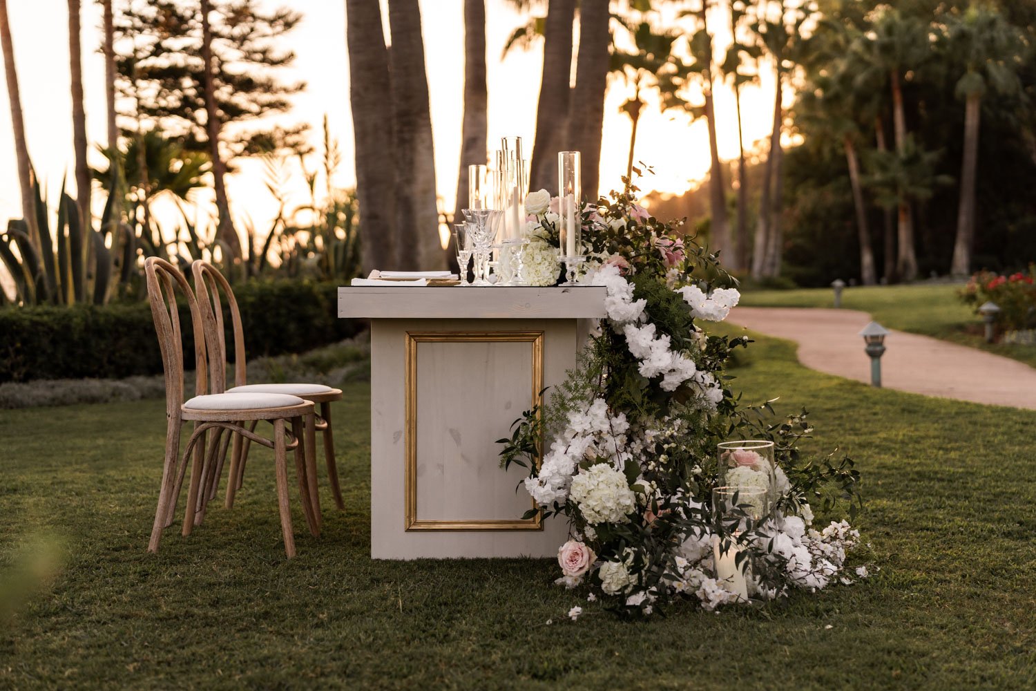 Table set up with flower decoration Marbella