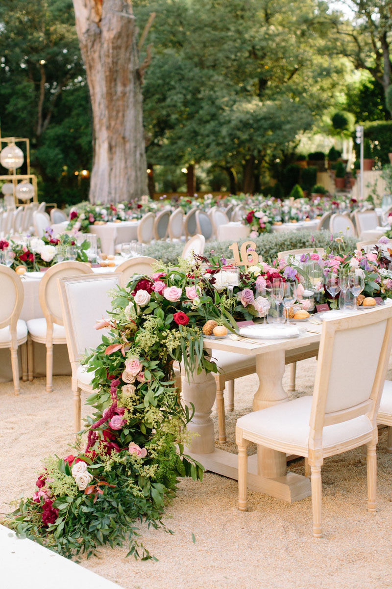 Table with flowers wedding Barcelona Bell Reco