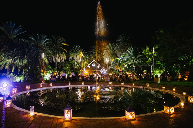 Lamps around fountain and light show finca la concepcion