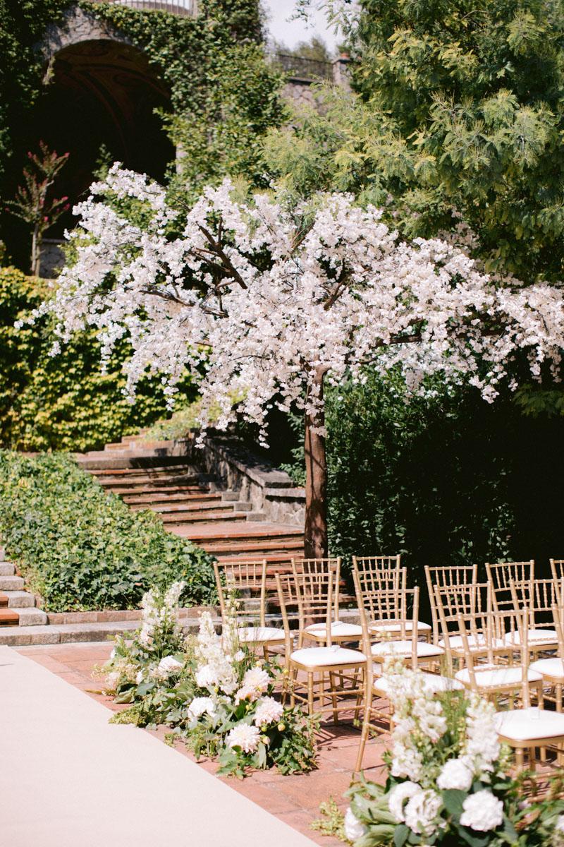Almond trees ceremony decoration Barcelona Bell Reco