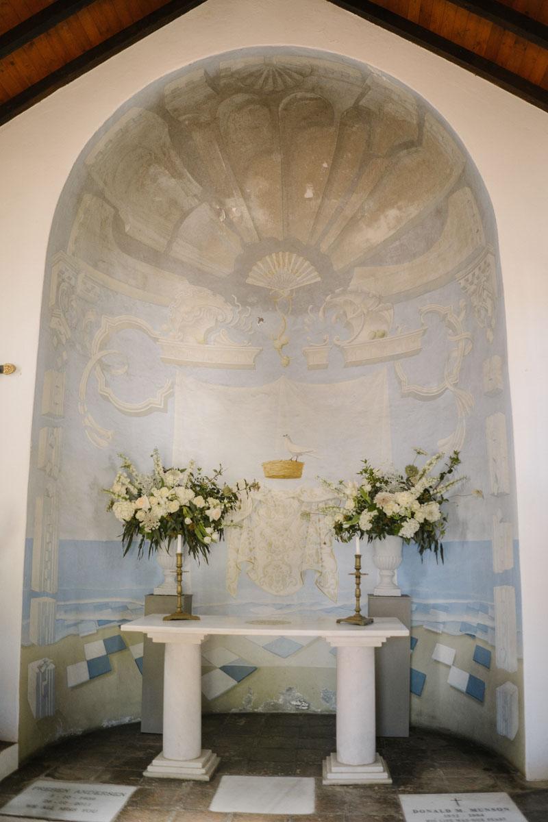 Flower decoration chapel Marbella La Virginia